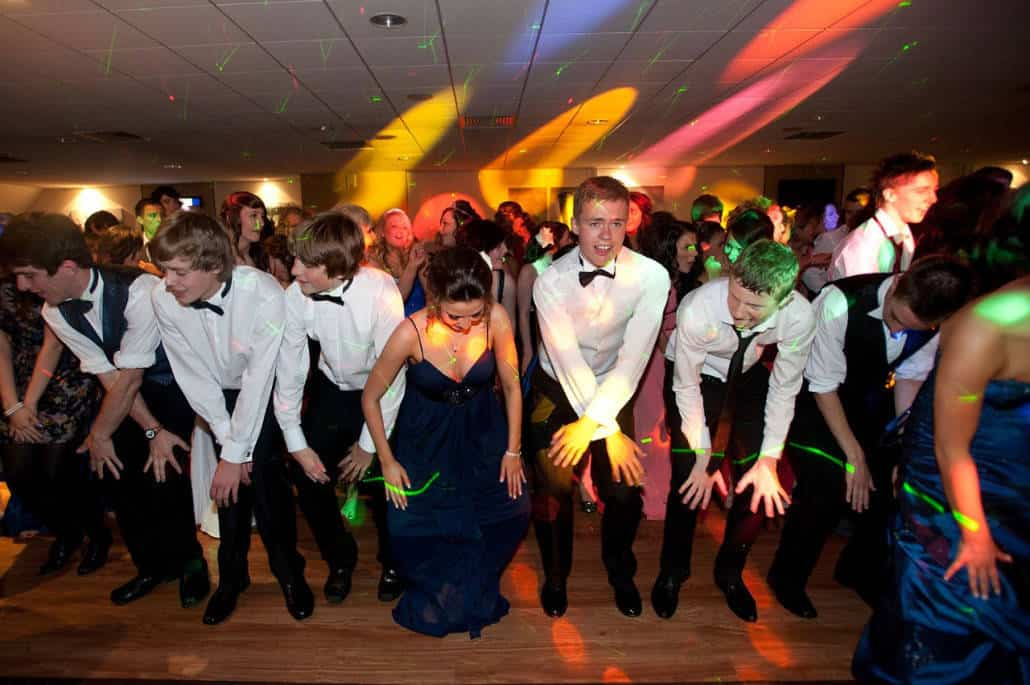 The tips you must know to throw a successful teen party