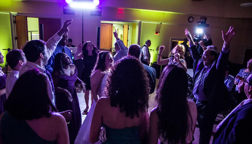 Hire The Top Class Dj For Wedding Reception Premier Entertainment